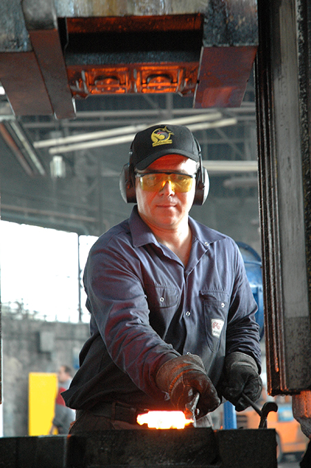 hand-forging-stainless-steel-FORGINAL-industrie