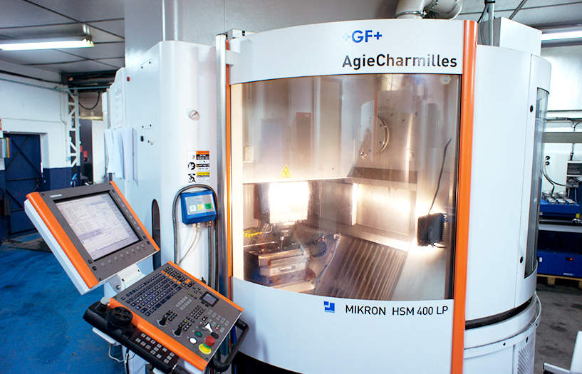 equipment-in-forge-tooling-department-FORGINAL-industrie